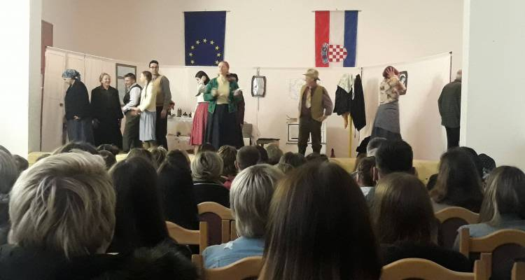 """U Podravskim Sesvetama održana predstava """"Brat sim,brat tam"""""""