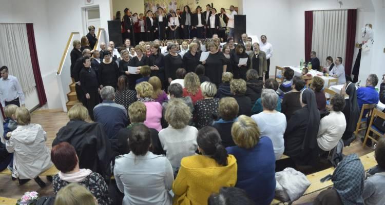 """U Kloštru Podravskom održan susret zborova """"Glazbeni zagrljaj"""""""